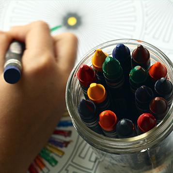 Crayons img